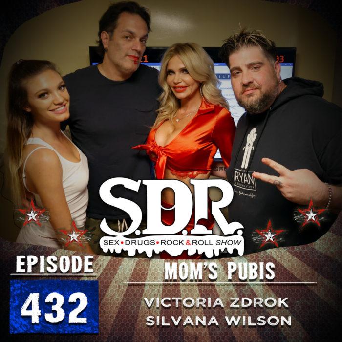 Victoria Zdrok & Silvana Wilson (Mother/Daughter Models) – Mom's Pubis